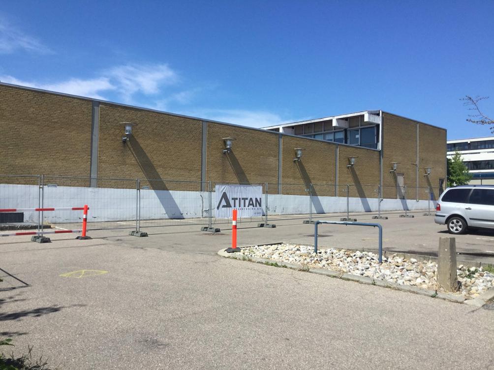 Hovedentreprenør på projektet om nedrivning af Helsinge bycenter på Sjælland